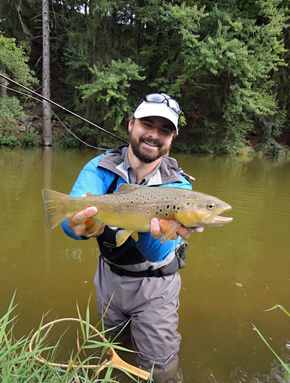 I'm really happy with this extraordinary brownie, as you can see! At the right time in the right place again. The inflow part of the lake was cloudy after a night storm and this fish was feeding on a small fry in my streamer fishing territory!