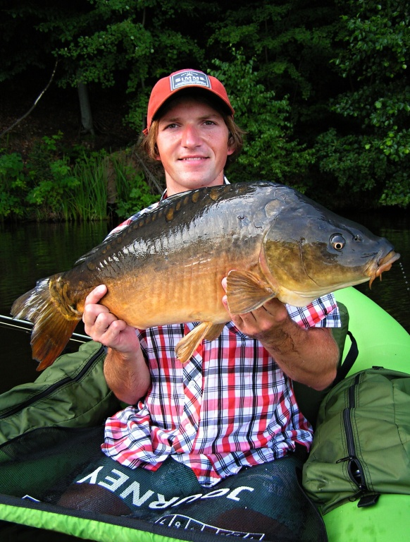 Friend with a nice mirror carp.